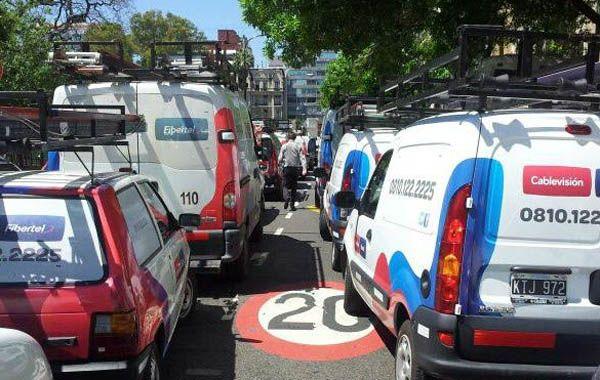 Las camionetas de Cablevisión