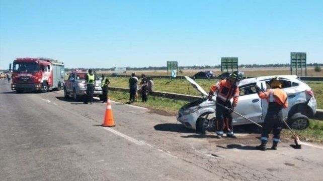 En el Onix accidentado en la autopista viajabas dos adultos y un niño.