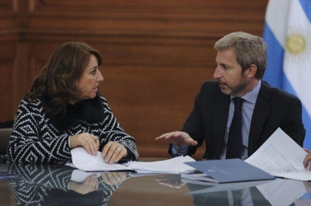Otros tiempos. El diálogo ameno entre la intendenta Mónica Fein y el ministro del Interior