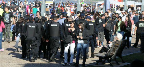 Un férreo operativo de seguridad permitió desarrollar una jornada en paz pese a algunos arrebatos. (Foto: G. de los Ríos)