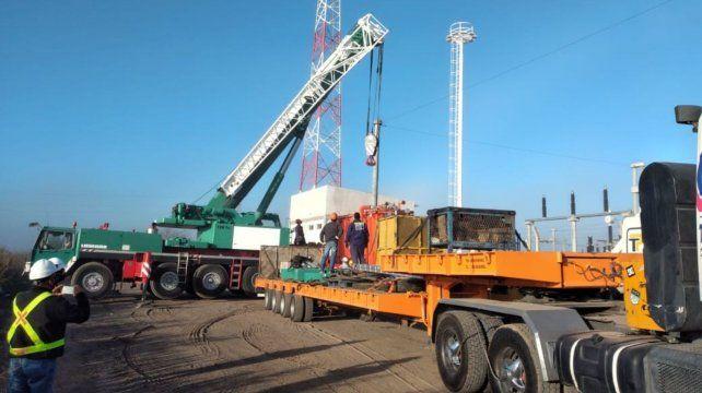 En abril se instaló en la futura estación Roldán una máquina de 40 MVA.