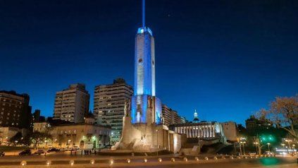 El Monumento se vestirá de celeste y blanco para rendirle homenaje a la bandera.