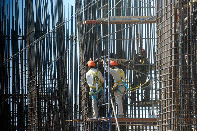 La construcción se erige como uno de los motores que empieza a encender la economía provincial en tiempos de pandemia.