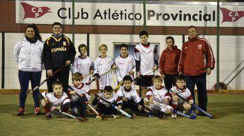 Ojalá se acerquen muchos chicos a este juego colectivo que es tan fascinante, dijo el responsable de la Escuelita del Club Provincial, Raúl Díaz.
