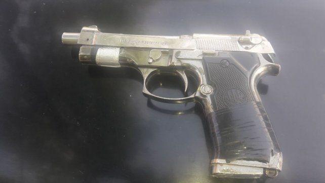 El arma que apareció en la zona oeste.