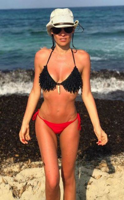 Las fotos de Pampita en bikini durante sus días de relax en Ibiza junto a Pico Mónaco