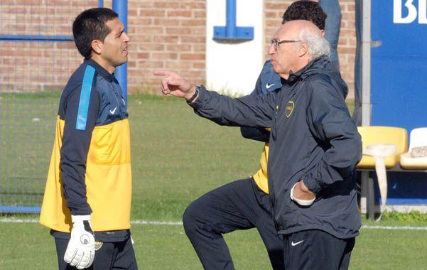 Román y el Virrey. Riquelme y Bianchi hablan durante el entrenamiento. El volante no estará contra el Ciclón.