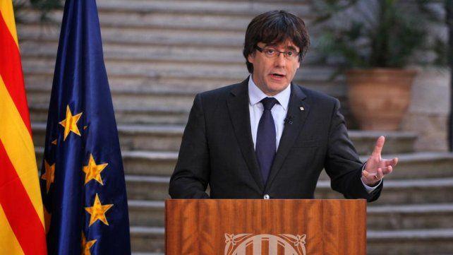 Puigdemont fue acusado de rebelión, dejó Cataluña y se fue de viaje a Bruselas