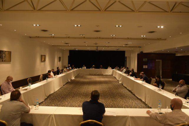 Todas las agrupaciones inscriptas participaron de la reunión.