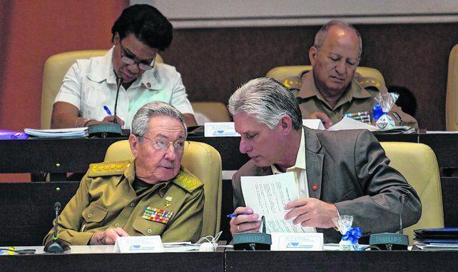 Secretismo. Castro junto a Díaz-Canel