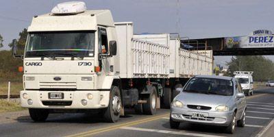 La imprudencia y las infracciones dominan los accesos a Rosario
