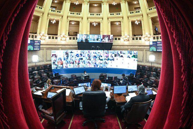 La vicepresidenta condujo la sesión virtual convocada para debatir la reforma judicial.