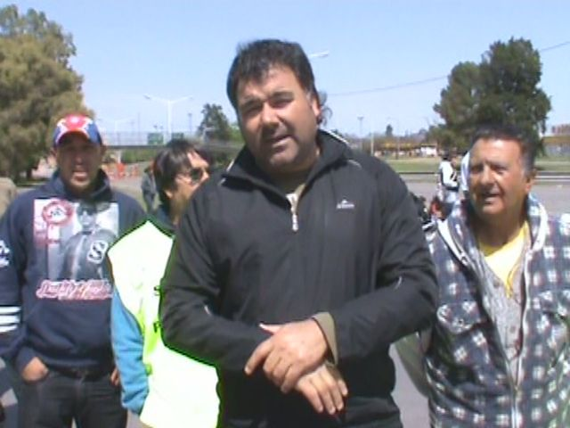 Pescadores cortan el puente Rosario-Victoria en reclamo de subsidios