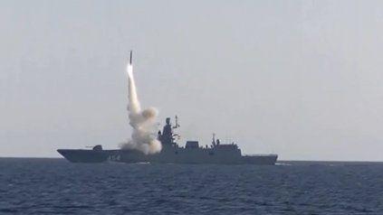 El presidente Vladimir Putin trabaja en equipar a las fuerzas armadas rusas.