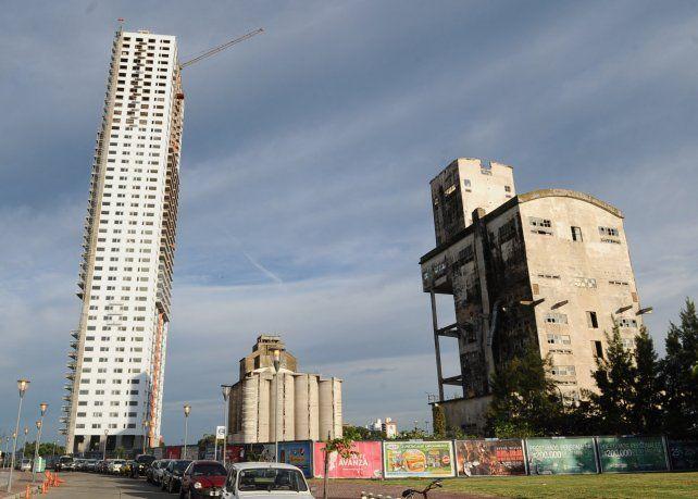 El área. La firma pretende levantar una torre gemela a la actual.