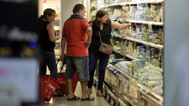 El índice de precios al consumidor aumentó un 38,5% respecto a noviembre de 2015