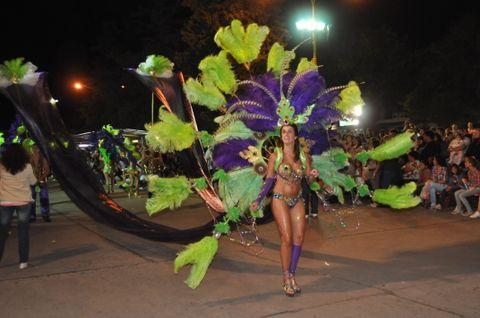 Belleza y despliegue. El ya clásico carnaval este año pondrá énfasis en el espectáculo de las comparsas.
