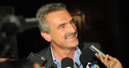 Rossi, irónico con Clarín: Si mañana bloquean una fábrica de pastas ¿vamos a declarar la libre circulación del fideo?