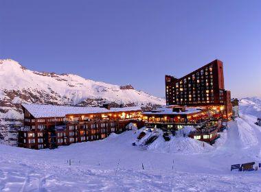 El complejo de Valle Nevado brinda todas las comodidades que demanda el viajero que gusta del frio y la nieve.