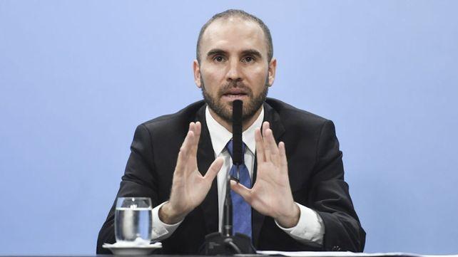 """Guzmán señaló la necesidad de """"escuchar"""" los problemas de la gente para solucionarlos en un """"contexto difícil""""."""