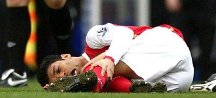 Hubo mala intención, acusó el brasileño del Arsenal quebrado de una patada