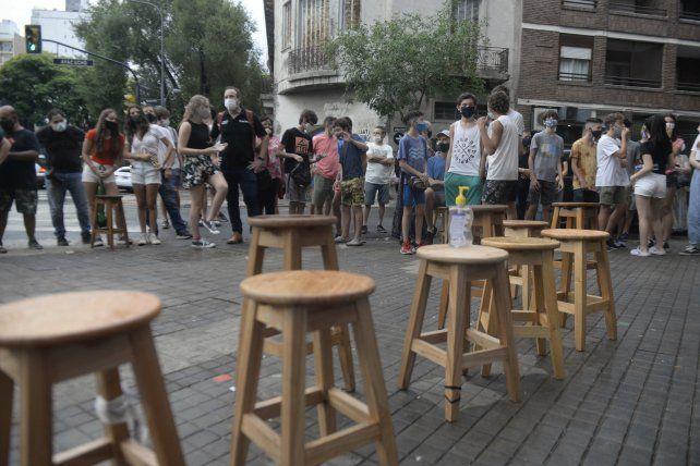 TABURETAZO. Estudiantes del Poli reclaman más horas de clases presenciales.
