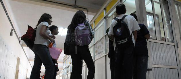 """Tanto los docentes como Amsafé salieron a denunciar un panorama de """"caos y desconcierto"""" luego de la puesta en marcha de la reforma curricular en los 1º y 2º años de las escuelas secundarias. (Foto: Sergio Toriggino)"""