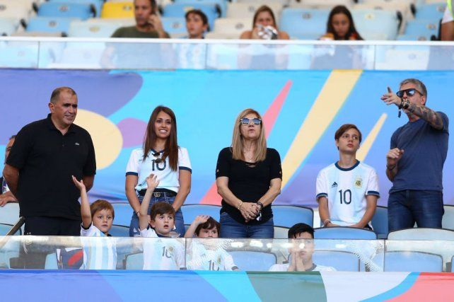 La familia Messi volvió a ser blanco de todas las miradas