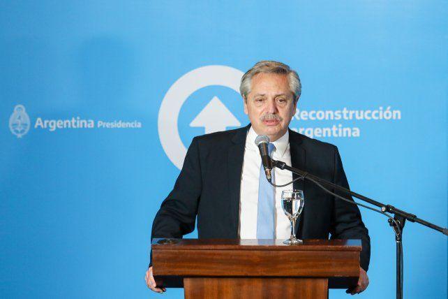 Alberto Fernández aseguró que los dólares hacen falta para producir; no para guardar