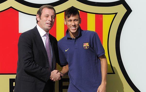 Tiempos felices. Rosell y Neymar juntos el día de la presentación del crack brasileño.