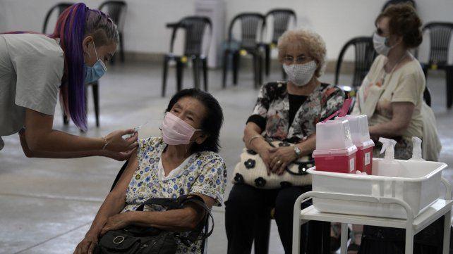 La campaña de vacunación en el país se viene desarrollando con algunas demoras.