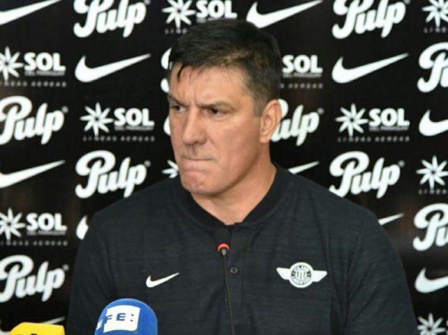 Chamot consiguió su primer título como entrenador con Libertad