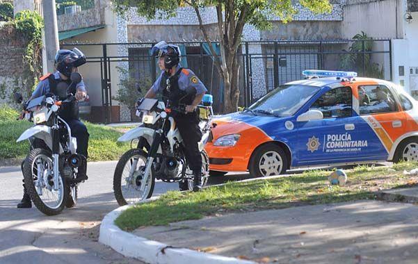 La Policía Comunitaria ya trabaja en más de una decena de barrios y la intendenta quiere tener un mayor control sobre la fuerza.