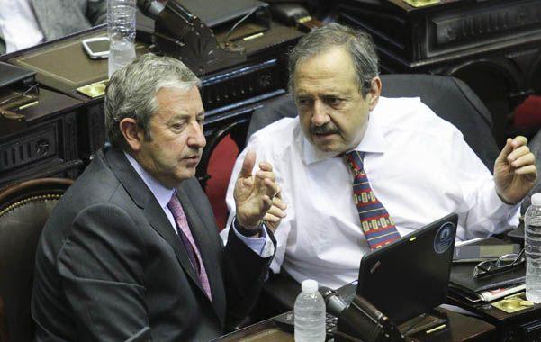 Contener. Cobos y Alfonsín buscarán frenar el éxodo bonaerense de la UCR.