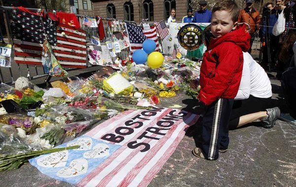 Memorial. Los bostonianos recordaban ayer a las víctimas del atentado.