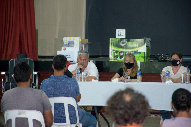 Estuvieron presentes el presidente comunal Amaro González y la secretaria de Producción