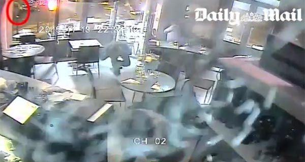 Un video muestra el ataque al restaurante Le Petit Cambodge