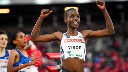 Una destacada atleta keniana fue encontrada muerta y buscan a su esposo