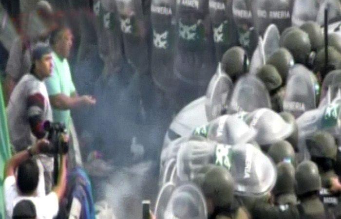 """Trabajadores de Cresta Roja denuncian """"infiltrados"""" en su protesta laboral"""