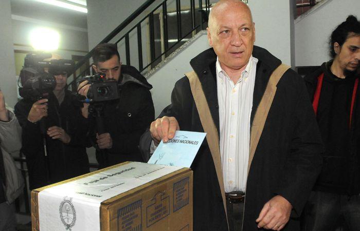 El gobernador Bonfatti sostuvo que en el ballottage del 22 de noviembre votará en blanco.