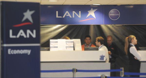 La suspensión de los vuelos de LAN es lisa y llanamente una discriminación por política