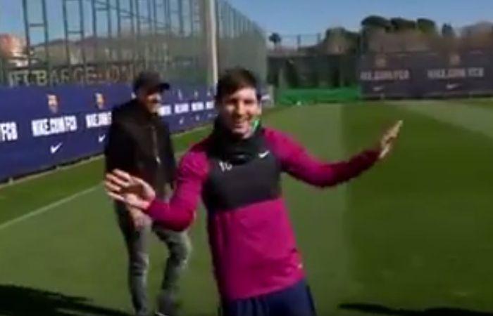 Messi emocionó a Cruyff y sigue mostrando su magia con desafíos imposibles
