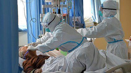 El país superó las 90.000 muertes por coronavirus reportando un récord de fallecidos