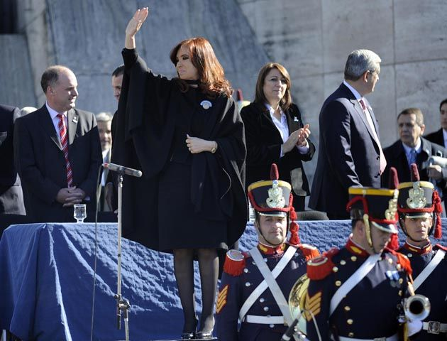 Octubre de 2009. Hermes Binner cuando era gobernador de Santa Fe junto a la presidenta en un acto en General Motors. (Foto: F. Guillen).