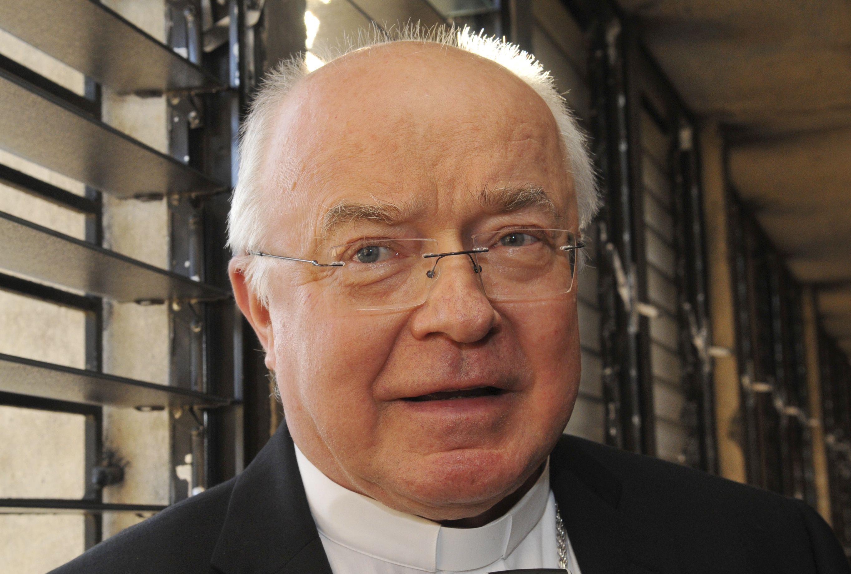 Lee Anthony Piche. Obispo adjunto de Nienstedt