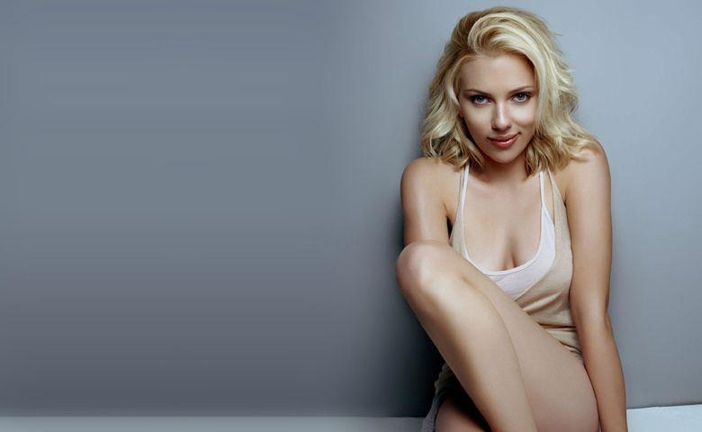 La revista Playboy quiere desnudar a Scarlett Johansson y Angelina Jolie