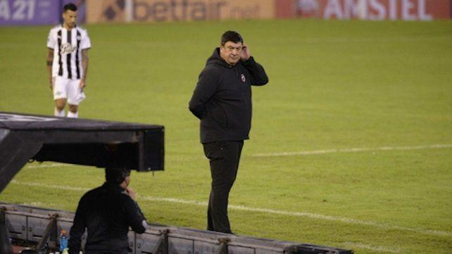 Búsqueda. Burgos tratará de hallar los mecanismos para mejorar antes del derby.