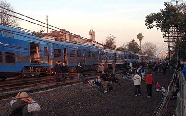 El choque de trenes provocó decenas de heridos y varios muertos.