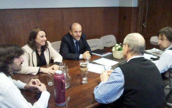 Fein mantuvo un encuentro con funcionarios del Ministerio de Salud de la Nación.
