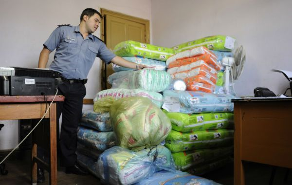 Gran parte de la mercadería robada fue hallada al día siguiente del robo en poder de familiares del detenido.